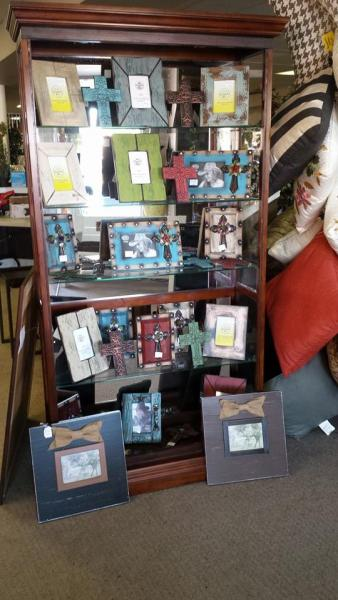 At Discount Merchandise we have a beautiful variety of picture frames to display your precious photos!